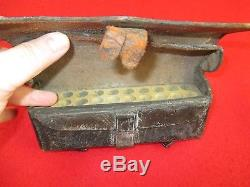 Authentic Civil War Leather Cavalry'' Carbine Cartridge Box. 20 Shot Capacity