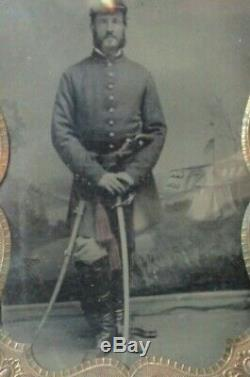 Civil War 1/4 plate Tintype of double armed Union soldier