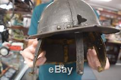 English-Civil-War-Period-Lobster-Pot-Zischagge-pot belly Helmet 17TH CENTURY